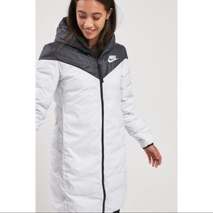Nike Reversible Down Fill Windrunner Jacket